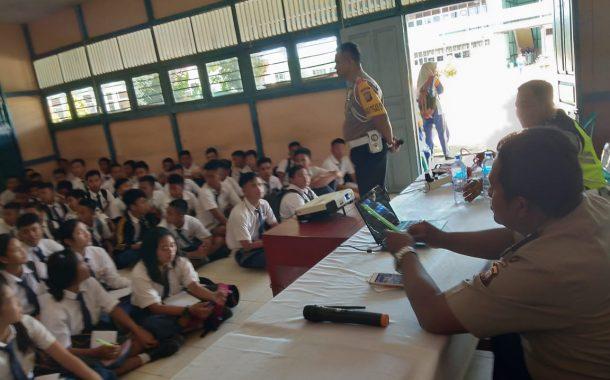 Kampanye Tertib Berlalu Lintas dan Jauhi Narkoba di SMK N 1 Nanga Pinoh