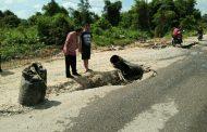Diduga Bermasalah Proyek Jalan 24 Milyar Tak Selesai DPUPR Melawi Surati Pemprov