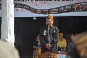 Karnaval Kebhinikaan Bupati Sanggau Mengajak masyarakat Sanggau merajut persatuan dan kesatuan Bangsa