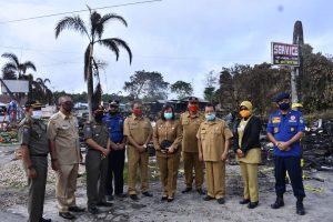 Sekda Sintang Tinjau Lokasi Kebakaran Di Kawasan Bundaran Tugu BI Sintang