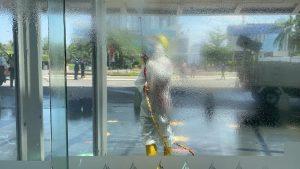 Sterilkan Area Margocity Mall, Damkar Depok Semprotkan Disinfektan