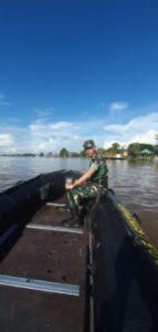Dansatgas Gunakan Speed Boat Menuju Titik TMMD 109 Sintang