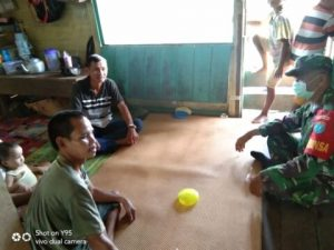 Kunjungi Rumah Warga, Serma Bambang Ucapkan Terimakasih