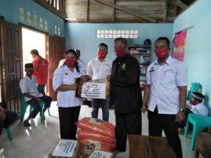 PMI Sanggau Lakukan Aksi Sosial Dan Sosialisasikan Perbub Nomor 47 tahun 2020