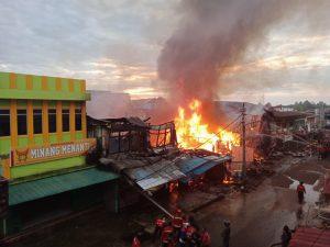 Pasar Impres Membara Ruko Hangus Dilalap Api