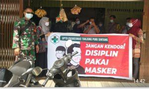 Danramil 07/Sintang Sosialisasikan Penanggulangan Pencegahan Covid 19 dan Pembagian Masker di Ponpes Daruul Ma'arif Sintang