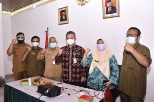 Secara Virtual Menteri KLHK Beri Penghargaan Kinerja Pengurangan Sampah Pada DLHK Depok